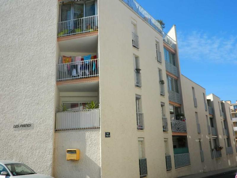 vente appartement 2 pieces de 42 m2 34200 sete 5626 appartement. Black Bedroom Furniture Sets. Home Design Ideas